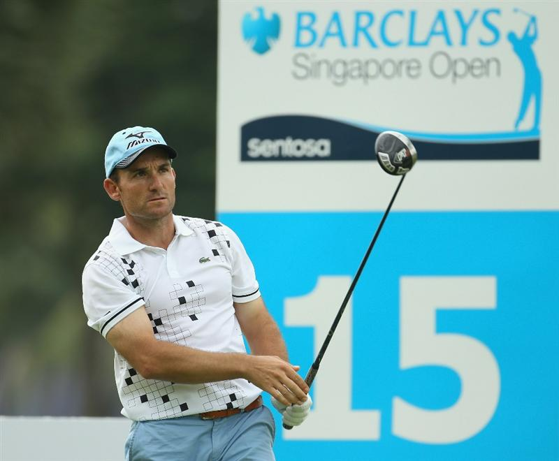 SINGAPORE - NOVEMBER 12:  Ignacio Garrido of Spain in action during the First Round of the Barclays Singapore Open at Sentosa Golf Club on November 12, 2010 in Singapore, Singapore.  (Photo by Ian Walton/Getty Images)