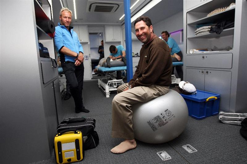 WENTWORTH, ENGLAND - MAY 19:  Per-Ulrik Johansson (L) of Sweden and Jose Maria Olazabal (R) of Spain pose in The European Tour Physio Unit during the Previews of the BMW PGA Championship at Wentworth on May 19, 2009 in Virginia Water, England.  (Photo by Andrew Redington/Getty Images)