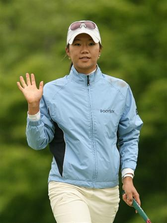 CLIFTON, NJ - MAY 17: Ji Young Oh of South Korea waves to the crowd on the 14th hole during the final round of the Sybase Classic presented by ShopRite at Upper Montclair Country Club on May 17, 2009 in Clifton, New Jersey. (Photo by Hunter Martin/Getty Images)