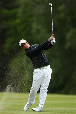 VIRGINIA WATER, ENGLAND - MAY 26:  Matteo Manassero of Italy plays his second shot on the nineth hole during the first round of the BMW PGA Championship at Wentworth Club on May 26, 2011 in Virginia Water, England.  (Photo by Richard Heathcote/Getty Images)
