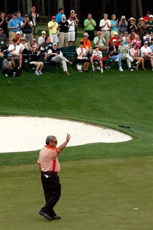 AUGUSTA, GA - APRIL 10:  Fuzzy Zoeller acknowledges the crowd after his final Masters Tournament at the 2009 Masters Tournament at Augusta National Golf Club on April 10, 2009 in Augusta, Georgia.  (Photo by Jamie Squire/Getty Images)