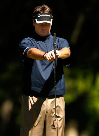 HILTON HEAD ISLAND, SC - APRIL 17:  Todd Hamilton lines up a putt on the 2nd hole during the second round of the Verizon Heritage at Harbour Town Golf Links on April 17, 2009 in Hilton Head Island, South Carolina.  (Photo by Streeter Lecka/Getty Images)