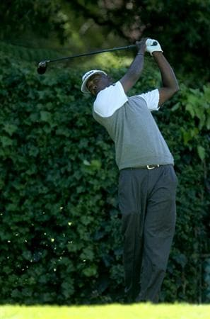 PACIFIC PALISADES, CA - FEBRUARY 20:  Vijay Singh of the Figi Islands hits his tee shot on the seventh hole during the final round of the Northern Trust Open at Riviera Country Club on February 20, 2011 in Pacific Palisades, California.  (Photo by Stephen Dunn/Getty Images)