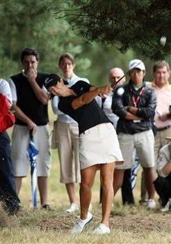 SUNNINGDALE, UNITED KINGDOM - AUGUST 02:  Laura Diaz of the USA plays her second shot at the 1st hole during the third round of the 2008  Ricoh Women's British Open Championship held on the Old Course at Sunningdale Golf Club, on August 2, 2008 in Sunningdale, England.  (Photo by David Cannon/Getty Images)