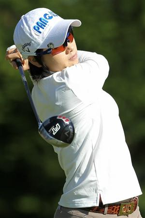 SHIMA, JAPAN - NOVEMBER 05:  Ji Eun-hee of South Korea plays a tee shot on the 13th hole during round one of the Mizuno Classic at Kintetsu Kashikojima Country Club on November 5, 2010 in Shima, Mie, Japan.  (Photo by Kiyoshi Ota/Getty Images)