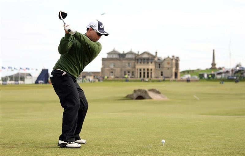 ST ANDREWS, SCOTLAND - OCTOBER 01:  Lam Chih-Bing of Singapore tees off on the 18th hole during the first round of The Alfred Dunhill Links Championship at The Old Course on October 1, 2009 in St. Andrews, Scotland.  (Photo by Andrew Redington/Getty Images)