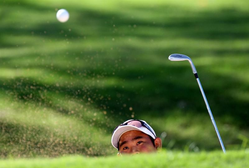 HONOLULU - JANUARY 15:  Tadd Fujikawa plays a shot from the bunker during the first round of the Sony Open at Waialae Country Club on January 15, 2009 in Honolulu, Hawaii.  (Photo by Sam Greenwood/Getty Images)