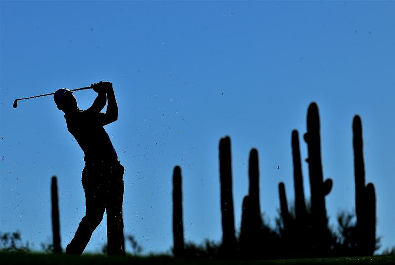 MARANA, AZ - FEBRUARY 25:  Paul Casey of England hits his approach shot on the first hole during the first round of the Accenture Match Play Championship at the Ritz-Carlton Golf Club at Dove Mountain on February 25, 2009 in Marana, Arizona.  (Photo by Stuart Franklin/Getty Images)