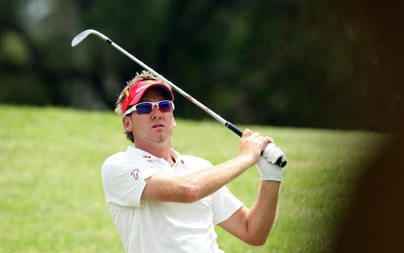 PERTH, AUSTRALIA - FEBRUARY 21:  Ian Poulter of England his second shot at the 17th hole during the third round of the 2009 Johnnie Walker Classic tournament at the Vines Resort and Country Club, on February 21, 2009, in Perth, Australia  (Photo by David Cannon/Getty Images)