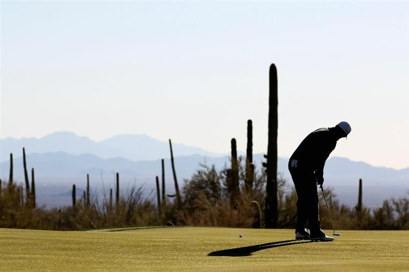 MARANA, AZ - FEBRUARY 24:  Justin Rose of England putts on the 19th hole during the second round of the Accenture Match Play Championship at the Ritz-Carlton Golf Club on February 24, 2011 in Marana, Arizona.  (Photo by Sam Greenwood/Getty Images)