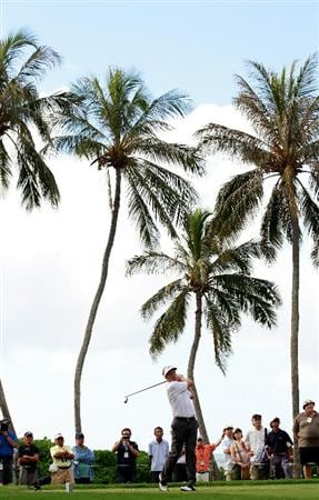 HONOLULU, HI - JANUARY 16:  Stuart Appleby of Australia plays a shot on the 14th hole during the third round of the Sony Open at Waialae Country Club on January 16, 2011 in Honolulu, Hawaii.  (Photo by Sam Greenwood/Getty Images)