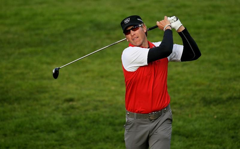 PACIFIC PALISADES, CA - FEBRUARY 04:  Ricky Barnes hits his tee shot on the fifth hole during the first round of the Northern Trust Open at Riveria Country Club on February 4, 2010 in Pacific Palisades, California.  (Photo by Stephen Dunn/Getty Images)