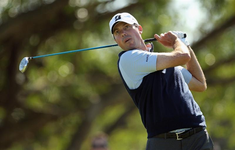 DORAL, FL - MARCH 11:  Matt Kuchar hits his tee shot on the fifth hole during the second round of the 2011 WGC- Cadillac Championship at the TPC Blue Monster at the Doral Golf Resort and Spa on March 11, 2011 in Doral, Florida.  (Photo by Mike Ehrmann/Getty Images)