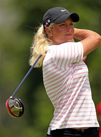 SINGAPORE - FEBRUARY 26:  Suzann Pettersen of Norway hits her tee-shot on the 18th hole during the second round of the HSBC Women's Champions at the Tanah Merah Country Club on February 26, 2010 in Singapore.  (Photo by Andrew Redington/Getty Images)
