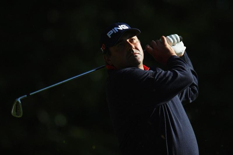 WENTWORTH, ENGLAND - MAY 22:  Angel Cabrera of Argentina tees off on the 2nd hole during the Second Round of the BMW PGA Championship at Wentworth on May 22, 2009 in Virginia Water, England.  (Photo by Ross Kinnaird/Getty Images)
