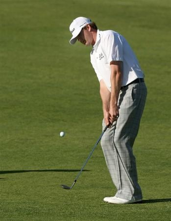 PACIFIC PALISADES, CA - FEBRUARY 19:  D.J. Trahan chips onto the fourth green during the first round of the Northern Trust Open at Riviera Country Club February 19, 2009 in Pacific Palisades. California.  (Photo by Stephen Dunn/Getty Images)