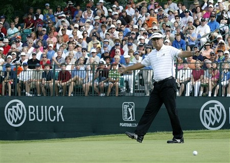 GRAND BLANC, MI - JUNE 29: Kenny Perry reacts to his birdie attempt on the 18th hole during the final round of the Buick Open at Warwick Hills Golf and Country Club on June 29, 2008 in Grand Blanc, Michigan.  (Photo by Gregory Shamus/Getty Images)