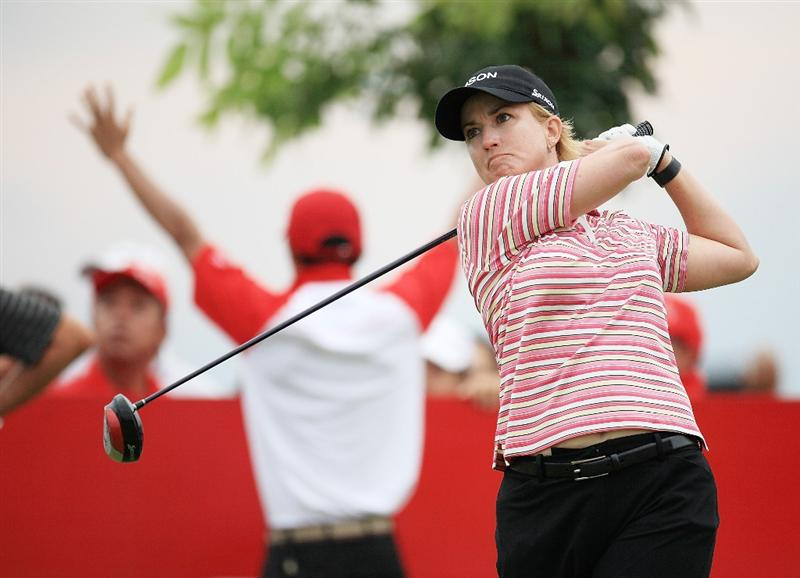 CHONBURI, THAILAND - MARCH 01:  Karrie Webb of Australia plays her 1st shot on the 1st hole during day four of the Honda LPGA Thailand 2009 at Siam Country Club Plantation on March 01, 2009 in Pattaya, Chonburi, Thailand. (Photo by Chumsak Kanoknan/Getty Images)
