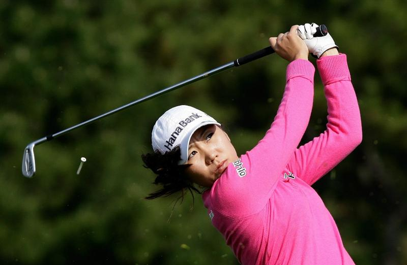 INCHEON, SOUTH KOREA - OCTOBER 31:  Kim In-Kyung of South Korea hits a tee shot on the 3rd hole during the 2010 LPGA Hana Bank Championship at Sky 72 Golf Club on October 31, 2010 in Incheon, South Korea.  (Photo by Chung Sung-Jun/Getty Images)