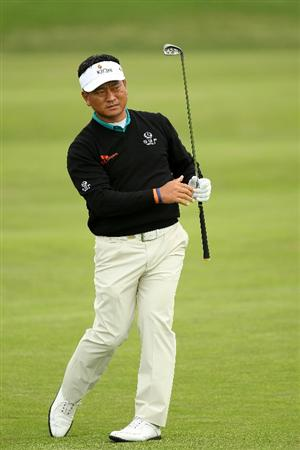 PEBBLE BEACH, CA - JUNE 17:  K.J. Choi of South Korea hits a shot on the second hole during the first round of the 110th U.S. Open at Pebble Beach Golf Links on June 17, 2010 in Pebble Beach, California.  (Photo by Ross Kinnaird/Getty Images)