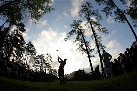 AUGUSTA, GA - APRIL 08:  Tiger Woods hits a tee shot during the second day of practice prior to the start of the 2008 Masters Tournament at Augusta National Golf Club on April 8, 2008 in Augusta, Georgia.  (Photo by Harry How/Getty Images)