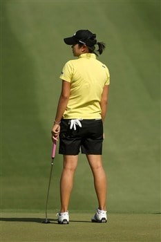 RANCHO MIRAGE, CA - APRIL 06:  Hee-Won Han of Korea watches her putt on the second hole during the final round of the Kraft Nabisco Championship at Mission Hills Country Club on April 6, 2008 in Rancho Mirage, California.  (Photo by Stephen Dunn/Getty Images)