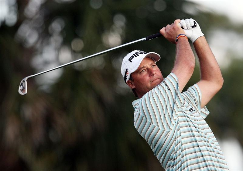 PALM BEACH GARDENS, FL - MARCH 06:  Chris DiMarco hits his tee shot on the seventh hole during the second round of The Honda Classic at PGA National Resort and Spa on March 6, 2009 in Palm Beach Gardens, Florida.  (Photo by Doug Benc/Getty Images)
