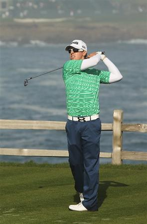 PEBBLE BEACH, CA - FEBRUARY 13:  Hunter Mahan tees off on the seventh hole during round three of the AT&T Pebble Beach National Pro-Am at Pebble Beach Golf Links on February 13, 2010 in Pebble Beach, California.  (Photo by Ezra Shaw/Getty Images)