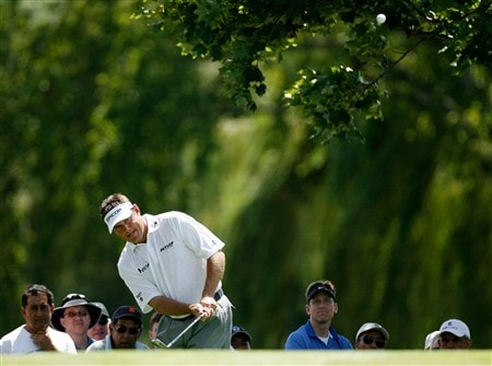 BLOOMFIELD HILLS, MI - AUGUST 08: Lee Westwood of England plays his fourth shot on the second hole  during round two of the 90th PGA Championship at Oakland Hills Country Club on August 8, 2008 in Bloomfield Township, Michigan.  (Photo by Hunter Martin/Getty Images)