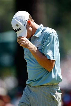 AUGUSTA, GA - APRIL 12:  Nick Watney reacts to a missed putt during the final round of the 2009 Masters Tournament at Augusta National Golf Club on April 12, 2009 in Augusta, Georgia.  (Photo by Jamie Squire/Getty Images)