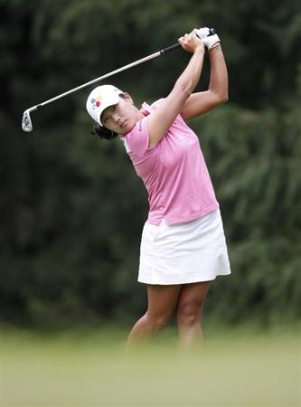 SYLVANIA, OH - JULY 04:  Seon Hwa Lee of South Korea watches her tee shot on the sixth hole during the third round of the Jamie Farr Owens Corning Classic at Highland Hills Golf Club on July 4, 2009 in Sylvania, Ohio.  (Photo by Gregory Shamus/Getty Images)