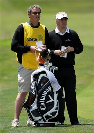 PEBBLE BEACH, CA - JUNE 19:  Ross McGowan of England waits with his caddie Matt Harbour on the second hole during the third round of the 110th U.S. Open at Pebble Beach Golf Links on June 19, 2010 in Pebble Beach, California.  (Photo by Andrew Redington/Getty Images)