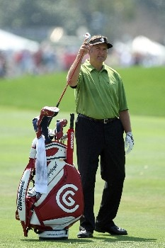 ORLANDO, FL - MARCH 16:  Ken Duke of the USA prepares to hit his second shot at the 1st hole during the final round of the 2008 Arnold Palmer Invitational presented by MasterCard at the Bay Hill Golf Club and Lodge, on March 16, 2008 in Orlando, Florida.  (Photo by David Cannon/Getty Images)
