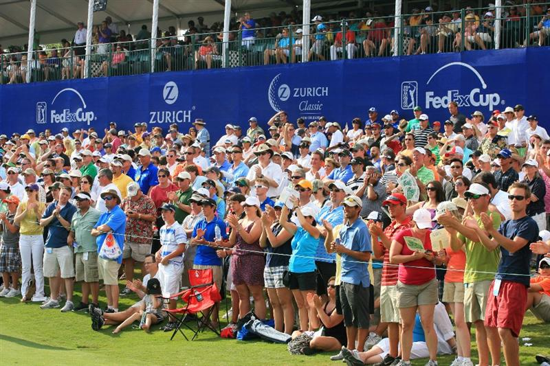 NEW ORLEANS, LA - MAY 1: The gallery applauds on the 18th hole during the final round of the Zurich Classic at the TPC Louisiana on May 1, 2011 in New Orleans, Louisiana. (Photo by Hunter Martin/Getty Images)