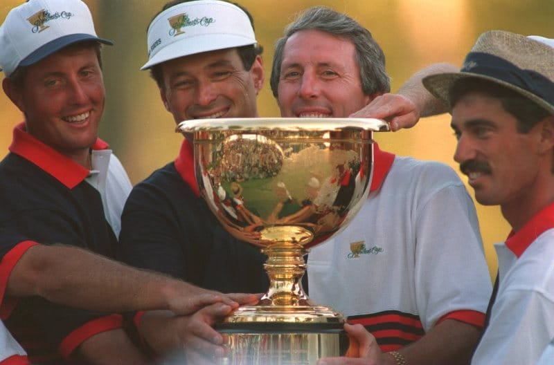 Phil Mickelson with the other members of the 1994 President's Cup U.S. Team