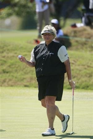 PRATTVILLE, AL - OCTOBER 3:  Laura Davies of England waves after completing play on the second hole during third round play in the Navistar LPGA Classic at the Robert Trent Jones Golf Trail at Capitol Hill on October 3, 2009 in  Prattville, Alabama.  (Photo by Dave Martin/Getty Images)