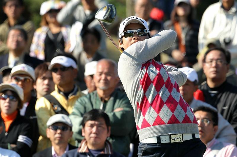 SHIMA, JAPAN - NOVEMBER 06:  Yani Tseng of Taiwan plays a tee shot on the 1st hole during the round two of the Mizuno Classic at Kintetsu Kashikojima Country Club on November 6, 2010 in Shima, Mie, Japan.  (Photo by Kiyoshi Ota/Getty Images)