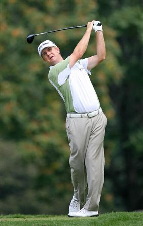 LEMONT, IL - SEPTEMBER 12: David Toms hits his tee shot on the eighth hole during the third round of the BMW Championship at Cog Hill Golf & Country Club on September 12, 2009 in Lemont, Illinois. (Photo by Hunter Martin/Getty Images)