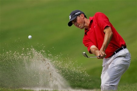 PONTE VEDRA BEACH, FL - MAY 09:  Matt Kuchar plays from a bunker on the eighth hole during the second round of THE PLAYERS Championship on THE PLAYERS Stadium Course at TPC Sawgrass on May 9, 2008 in Ponte Vedra Beach, Florida.  (Photo by Sam Greenwood/Getty Images)