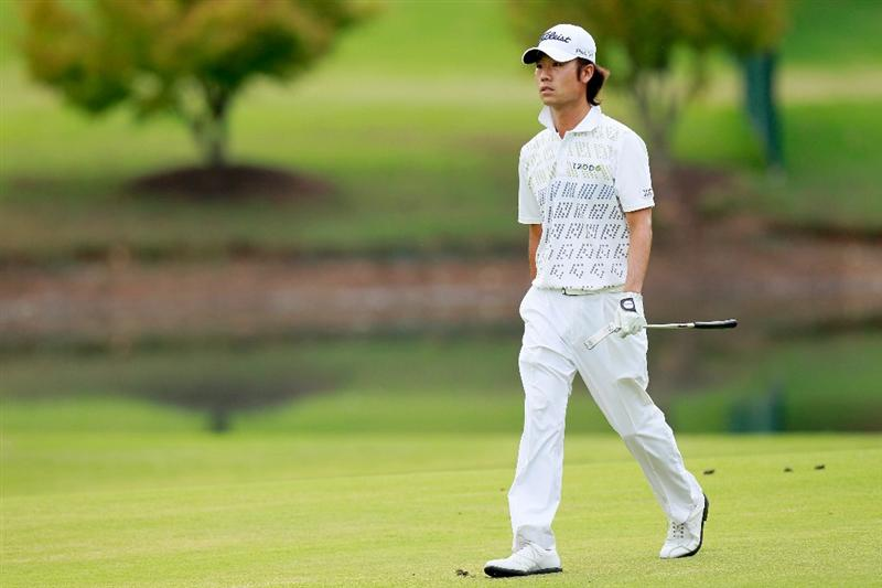 ATLANTA - SEPTEMBER 24:  Kevin Na walks up the ninth hole fairway during the second round of THE TOUR Championship presented by Coca-Cola at East Lake Golf Club on September 24, 2010 in Atlanta, Georgia.  (Photo by Kevin C. Cox/Getty Images)