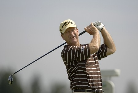 SUNRIVER, OR - AUGUST 17: Tom Watson hits his tee shot at the fourth hole during the fourth round of the Champions Tour JELD-WEN Tradition at the Crosswater Club on August 17, 2008 in Sunriver, Oregon. (Photo by Steven Gibbons/Getty Images)