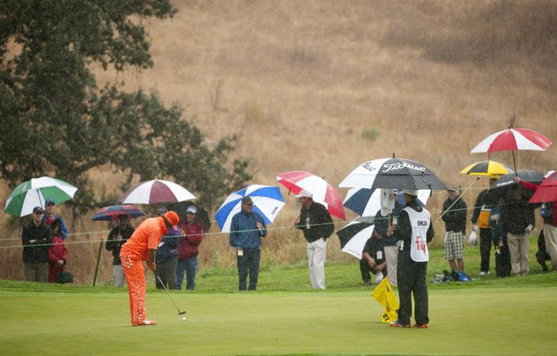 SAN MARTIN, CA - OCTOBER 17:  Rickie Fowler attempts a putt on the 12th hole during the final round of the Frys.com Open at the CordeValle Golf Club on October 17, 2010 in San Martin, California.  (Photo by Robert Laberge/Getty Images)