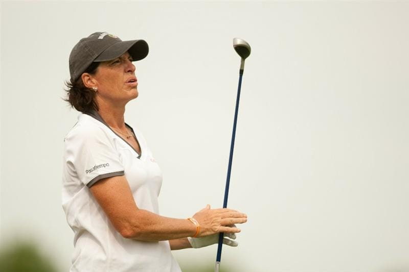 SPRINGFIELD, IL - JUNE 10: Juli Inkster watches a tee shot during the first round of the LPGA State Farm Classic at Panther Creek Country Club on June 10, 2010 in Springfield, Illinois. (Photo by Darren Carroll/Getty Images)