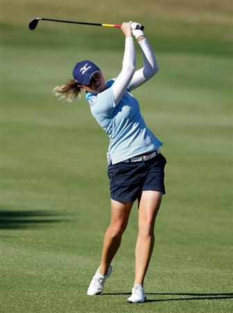 SHIMA, JAPAN - NOVEMBER 05:  Stacy Lewis of the United States plays a shot on the 1st hole during round one of the Mizuno Classic at Kintetsu Kashikojima Country Club on November 5, 2010 in Shima, Japan.  (Photo by Chung Sung-Jun/Getty Images)