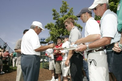 Lee Trevino signs autographs during the first round of the Liberty Mutual Legends of Golf at Westin Savannah Harbor Golf Resort & Spa in Savannah, Georgia, on April 21, 2006.Photo by: Chris Condon/PGA TOUR