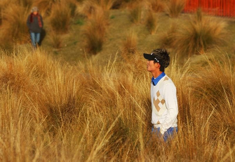 QUEENSTOWN, NEW ZEALAND - MARCH 12:  Danny Lee of New Zealand walks up the the 14th tee during day one of the New Zealand Men's Open Championship at The Hills Golf Club on March 12, 2009 in Queenstown, New Zealand.  (Photo by Phil Walter/Getty Images)