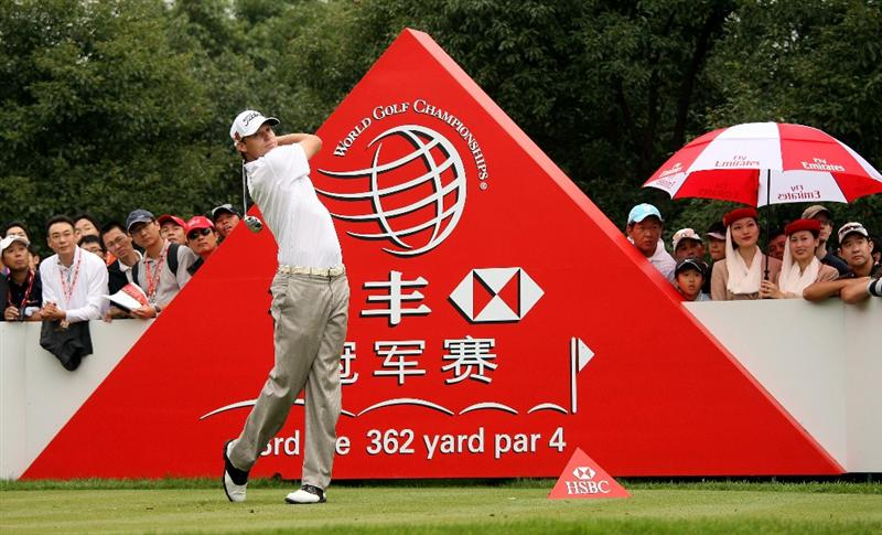 SHANGHAI, CHINA - NOVEMBER 07:  Nick Watney of the USA hits his tee-shot on the third hole during the third round of the WGC-HSBC Champions at Sheshan International Golf Club on November 7, 2009 in Shanghai, China.  (Photo by Andrew Redington/Getty Images)