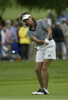 Rosie Jones pitches on the 6th hole during the fourth round of the 2005 Wegman's Rochester LPGA at Locust Hill Country Club in  Pittsford, New York on June 19, 2005.Photo by Michael Cohen/WireImage.com