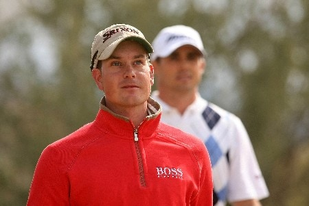 MARANA, AZ - FEBRUARY 22:  Henrik Stenson of Sweden walks off the second tee with Jonathan Byrd during the third round matches of the WGC-Accenture Match Play Championship at The Gallery at Dove Mountain on February 22, 2008 in Marana, Arizona.  (Photo by Scott Halleran/Getty Images)