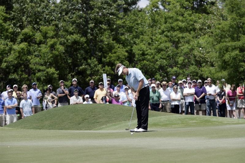 AVONDALE, LA - APRIL 25: David Toms putts on the 1st green during the third round of the Zurich Classic at TPC Louisiana on April 25, 2009  in Avondale, Louisiana. (Photo by Dave Martin/Getty Images)